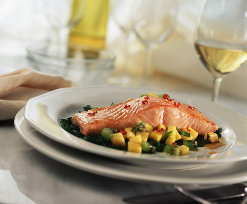 Saiba como combinar tipos de vinho para peixes - Marettimo