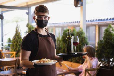 Comer fora na pandemia: o que fazer? Dicas para cuidar do seu bem-estar