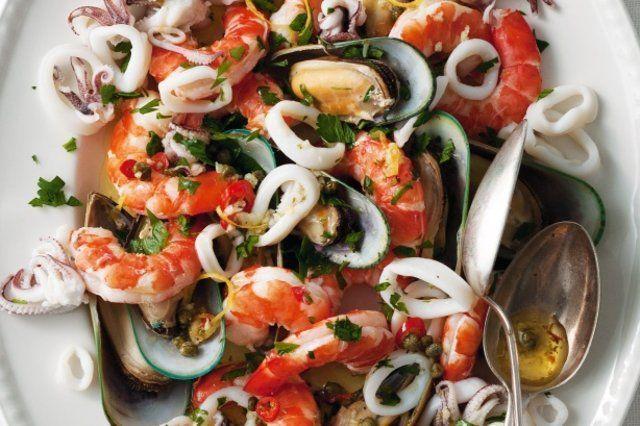 Salada com frutos do mar: conheça os benefícios à saúde e receitas para saborear